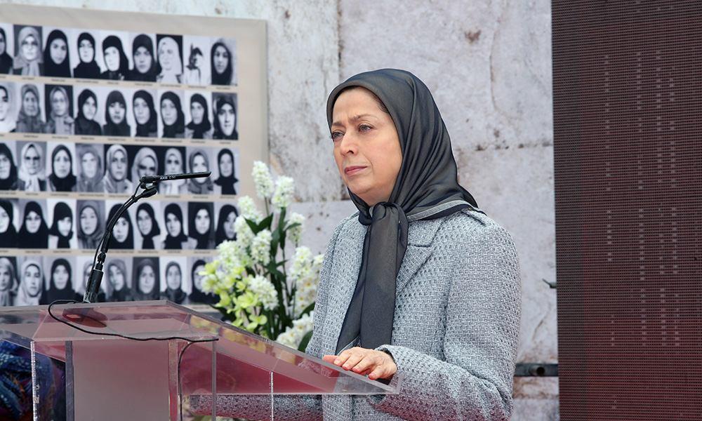 مريم رجوي تتفقد معرضا يتضمن صورا لنضال النساء الايرانيات على مدى 150 عاما من أجل الحرية والمساواة