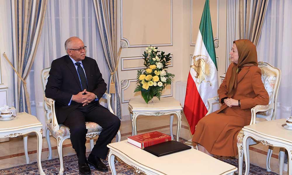 استقبال مریم رجوي  الدکتور ریاض یاسین سفير جمهوریة الیمن في فرنسا وزیر الخارجیة الیمني السابق