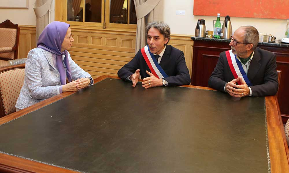 Maryam Rajavi at the Town hall in Paris 2nd – meeting with Mayor Jacques Boutault