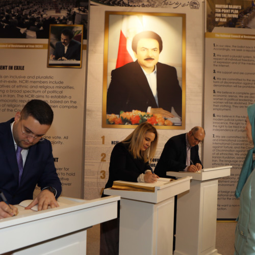 Mrs. Kryemadhi and her accompanying delegation signed the guest books at the museum of 120 Years of Iranian People's Struggle for Freedom