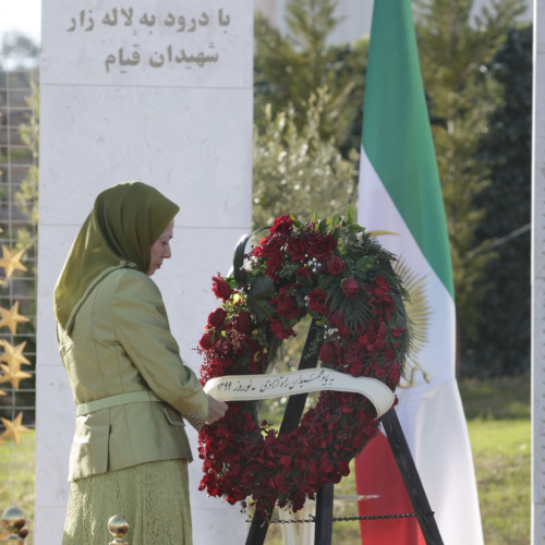Maryam Rajavi laying a wreath at the Monument of Martyrs fallen for freedom – Nowruz 1399