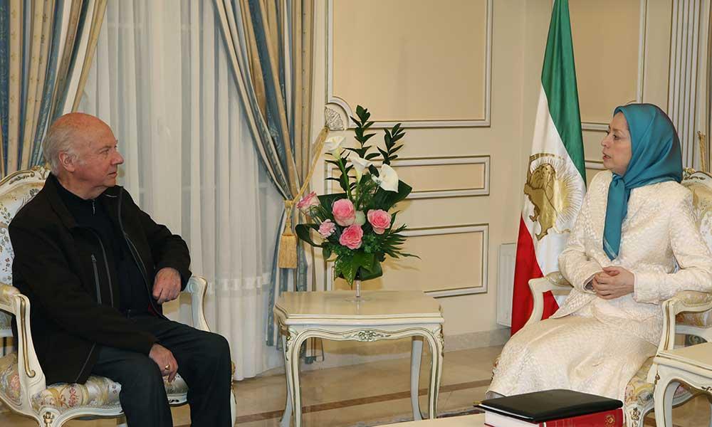 Rencontre de Maryam Radjavi et de Mgr Jacques Gaillot