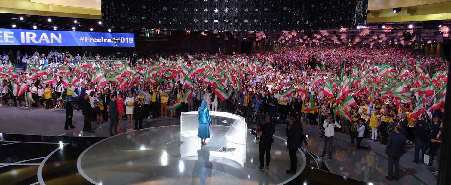 Maryam-Rajavi-at-the-Resistances-Grand-Gathering-in-Paris-10
