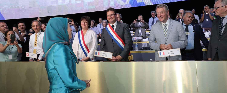 Maryam-Rajavi-at-the-Resistances-Grand-Gathering-in-Paris-11