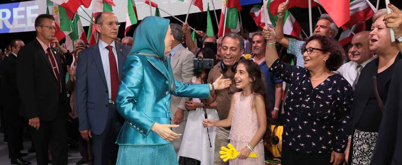 Maryam-Rajavi-at-the-Resistances-Grand-Gathering-in-Paris-2