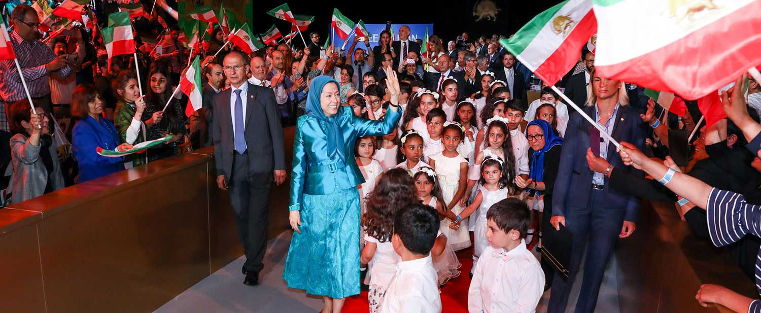 Grand-gathering-for-a-free-Iran-in-the-presence-of-Maryam-Rajavi--Villepinte-Paris-4
