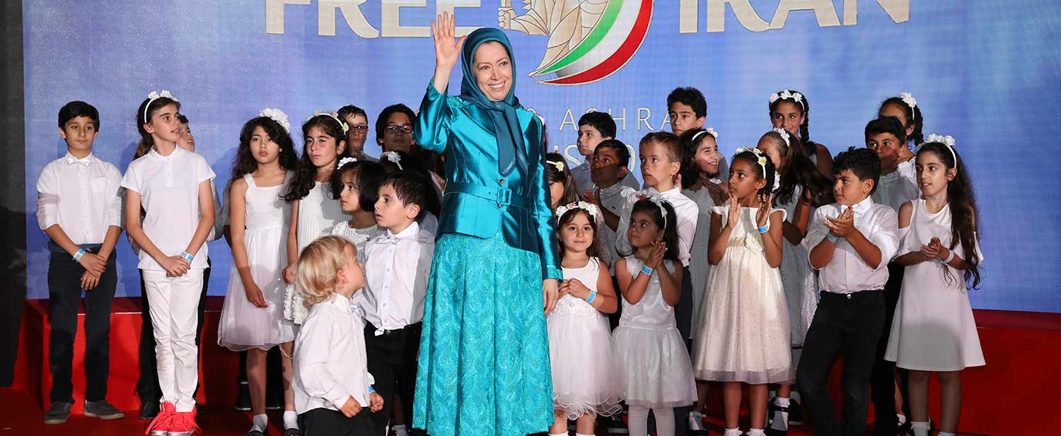 Grand-gathering-for-a-free-Iran-in-the-presence-of-Maryam-Rajavi--Villepinte-Paris-5