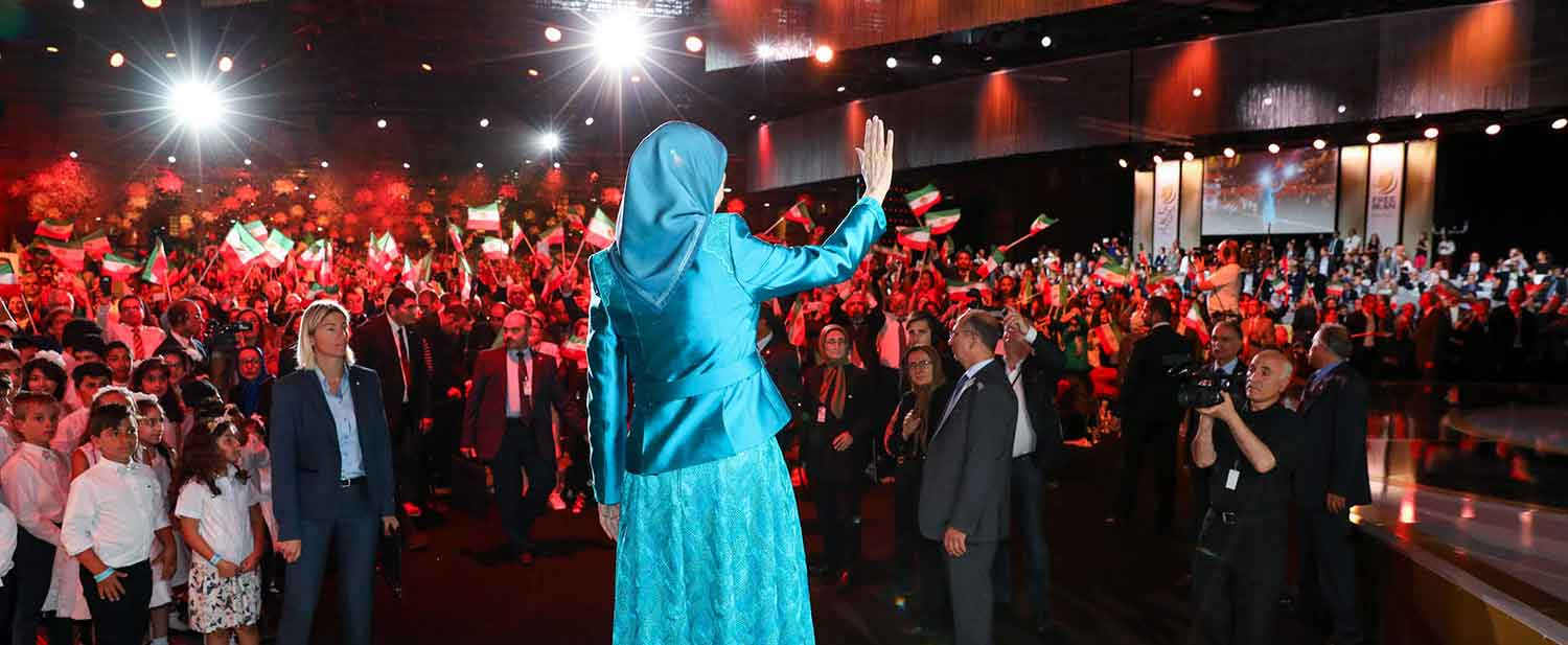 Grand-gathering-for-a-free-Iran-in-the-presence-of-Maryam-Rajavi--Villepinte-Paris-July-1-2017