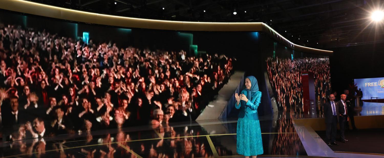 Maryam-Radjavi-au-grand-rassemblement-pour-un-Iran-libre-11
