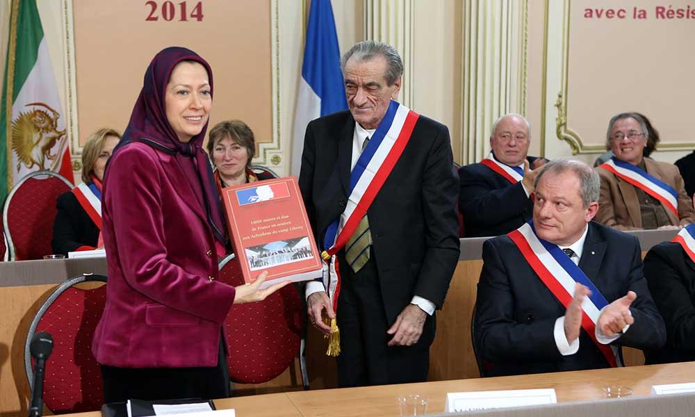 Lors d'une cérémonie de vœux au siège de la Résistance iranienne en France rend publique Une déclaration de soutien de 14.000 maires et élus français à la Résistance iranienne