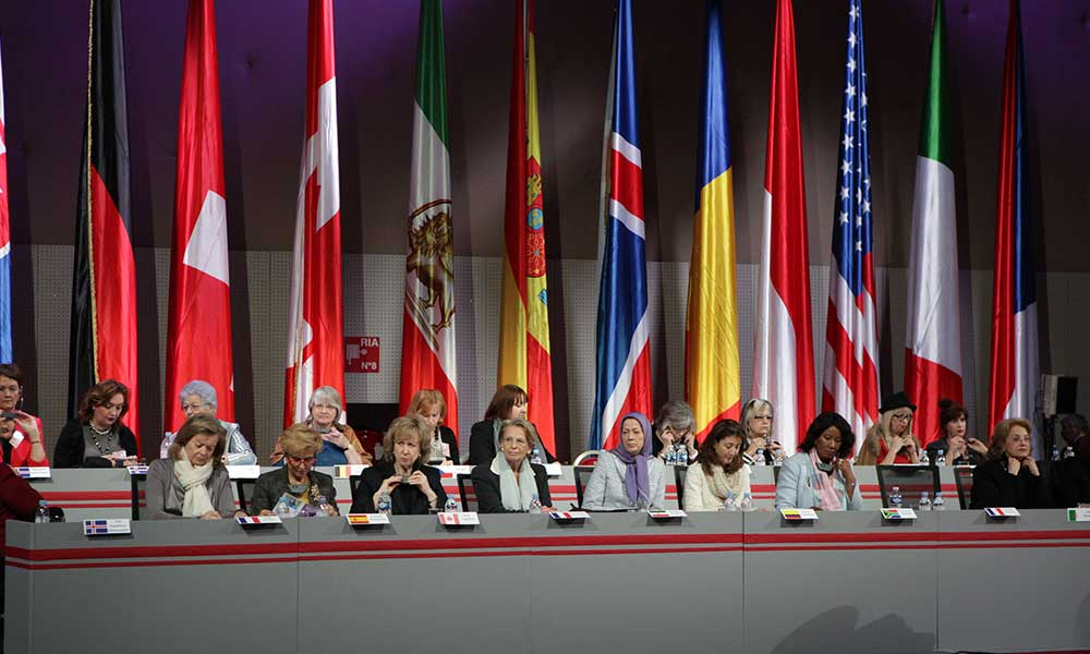 Maryam Radjavi à la conférence international à l'occasion de la journée international des femmes – Paris