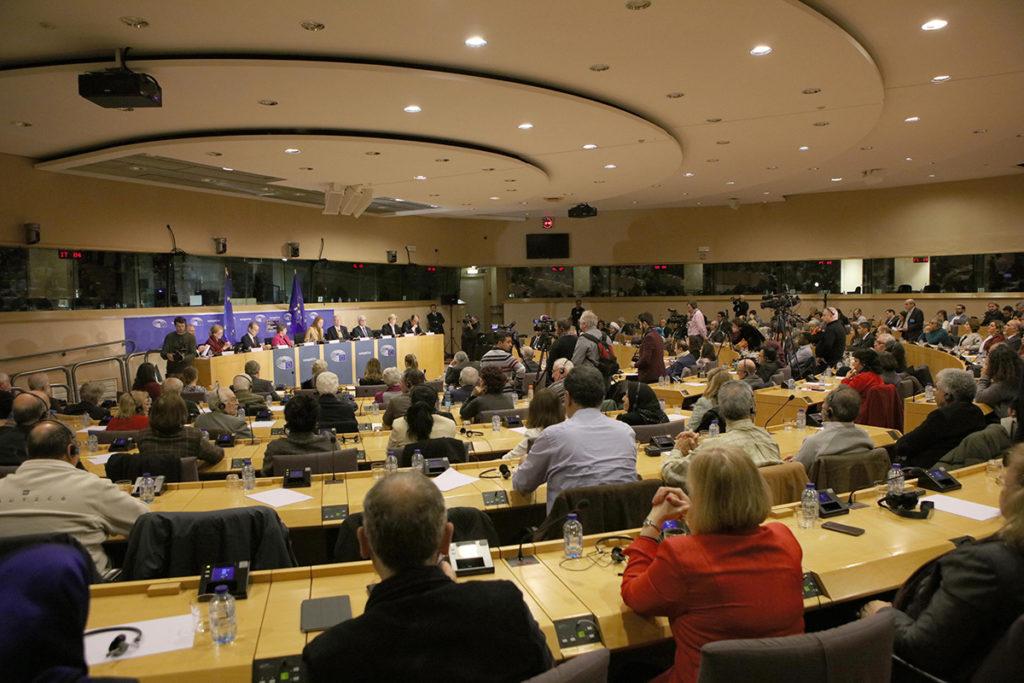 Vague d'exécutions en Iran et la politique de l'UE Discours de Maryam Radjavi au Parlement européen pour la Journée internationale des droits humains 7 décembre 2016