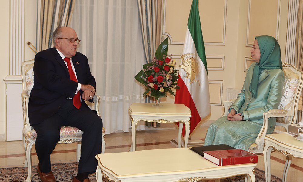 Maryam Radjavi rencontre Rudy Giuliani, l'avocat du président des Etats-Unis