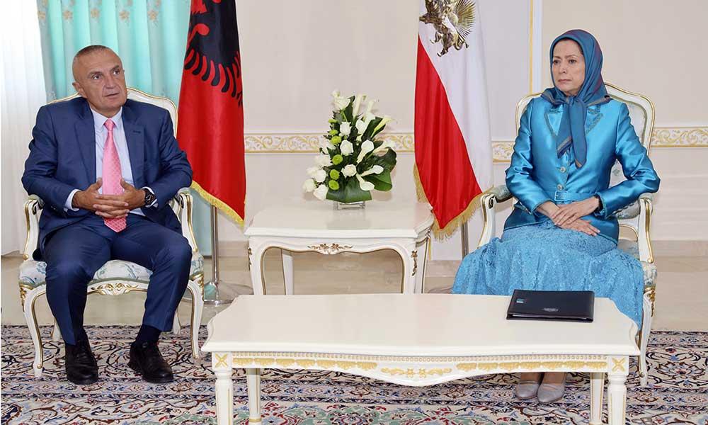 Le président albanais Ilir Meta rencontre la présidente élue de la Résistance iranienne Maryam Radjavi à Achraf 3, en Albanie