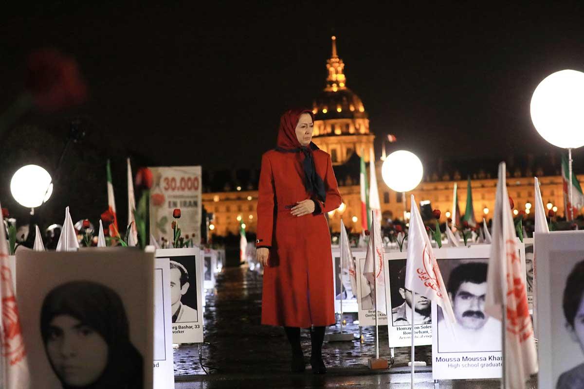 Maryam Radjavi à l'exposition sur « un crime contre l'humanité en Iran »- Paris