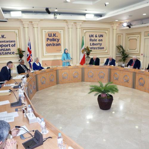 Maryam Rajavi- Meeting with British delegation- Auvers sur Oise– 27 January 2014