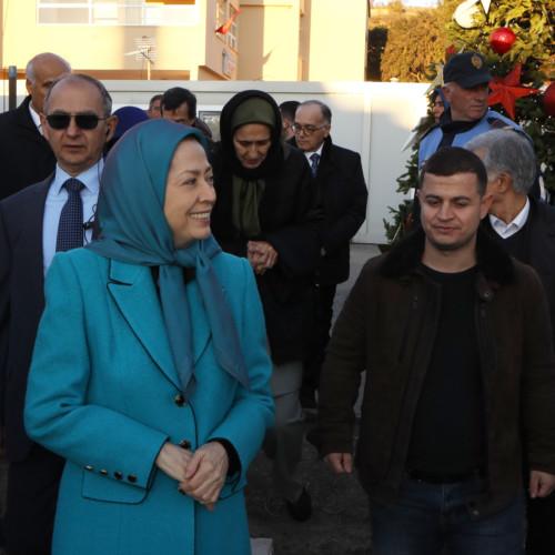 Maryam Radjavi à la rencontre des sinistrés du séisme en Albanie- décembre 2019