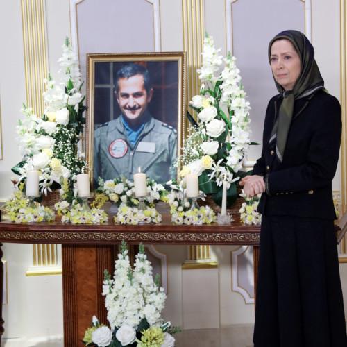 Maryam Radjavi à l'hommage rendu au héros national iranien, le colonel Behzad Moezzi, en présence des membres du CNRI et de l'OMPI/MEK à Achraf-3 - Janvier 2021