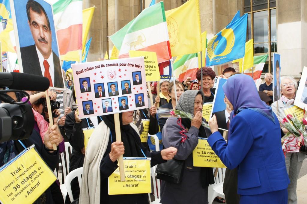 Pöur Achraf sur les Parvis des droits de l'homme à Paris
