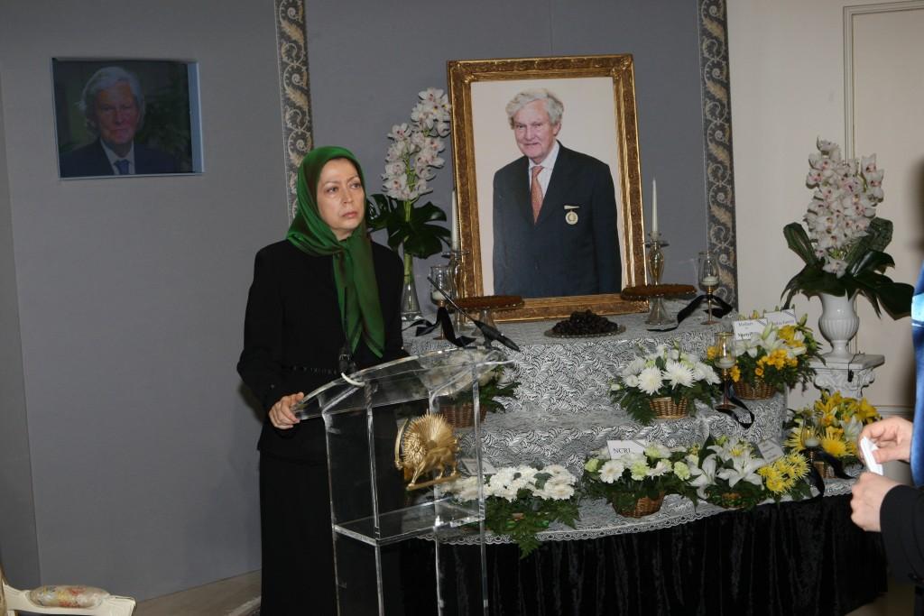« Lord Slynn aimait à dire qu'il avait rejoint la Résistance iranienne » – Maryam Radjavi