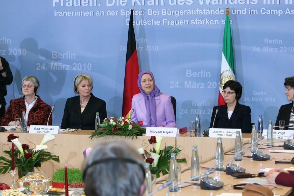 Aider les femmes en Iran c'est contribuer à la résistance contre l'intégrisme