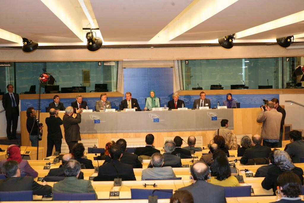 Débat entre Maryam Radjavi et députés européens sur l'Iran