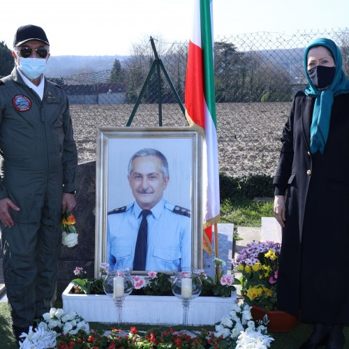 Hommage au héros national, le colonel Behzad Moezzi, pilote des Moudjahidine du peuple d'Iran (OMPI/MEK)