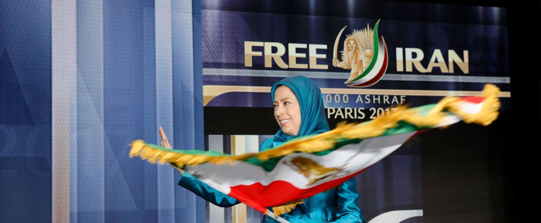 Maryam-Radjavi-au-grand-rassemblement-pour-un-Iran-libre-12