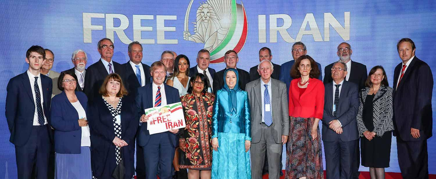 Maryam-Rajavi-with-distinguished-personalities-and-Iranian-Resistance-supporters-Free-Iran-Gathering-Villepinte-July-1-2017-2
