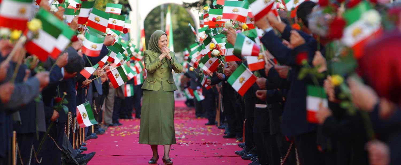 Maryam-Rajavi-visits-PMOI-members