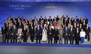 Maryam Rajavi at the exhibition of the Iranian peoples 120 years of struggle for freedom