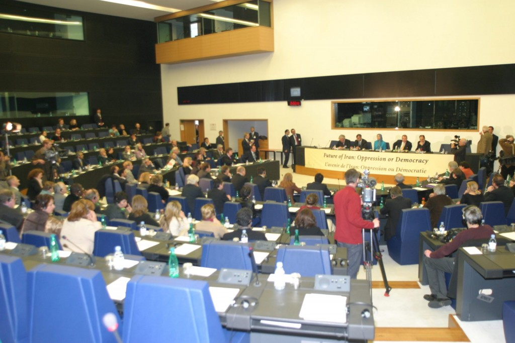 راه حل سوم، سخنرانی پارلمان اروپا