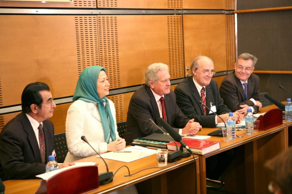 سخنرانی در پارلمان فرانسه