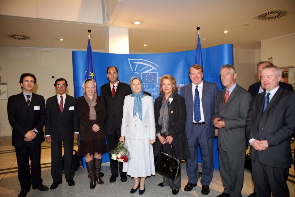 کنفرانس مطبوعاتی در پارلمان اروپا
