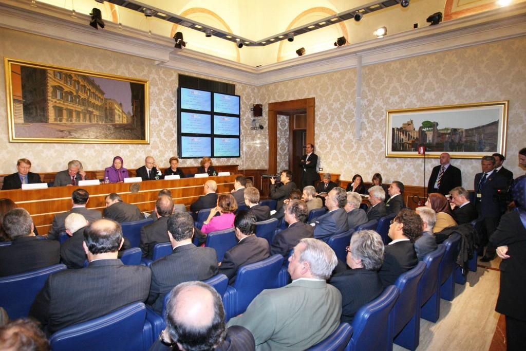 سخنرانی در اجلاس پارلمانی ایتالیا