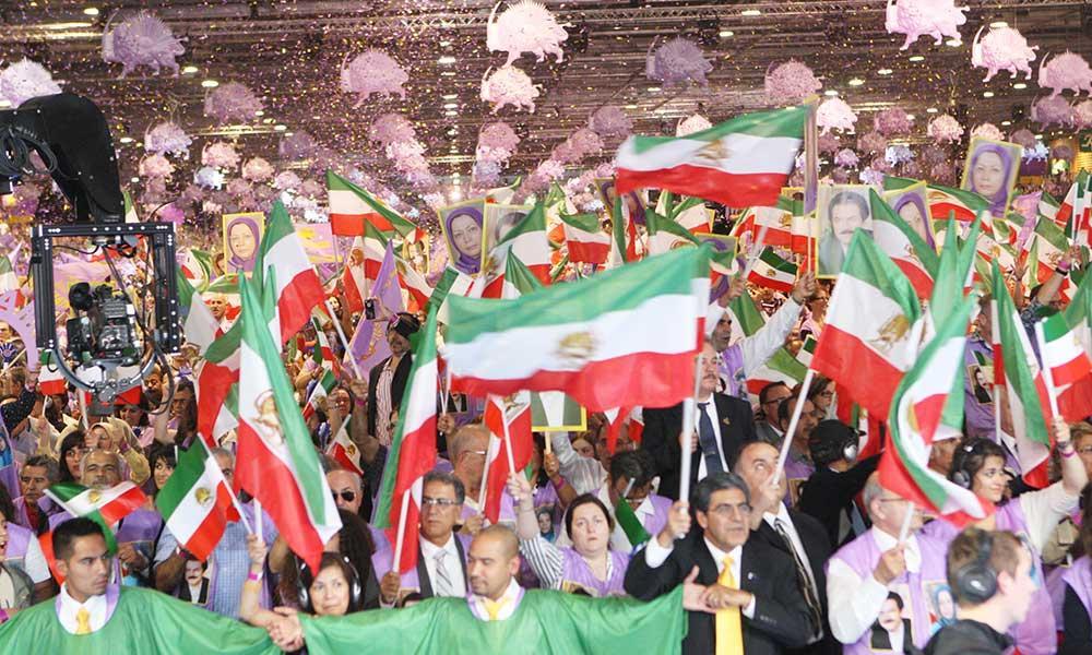 با جوانان ایران