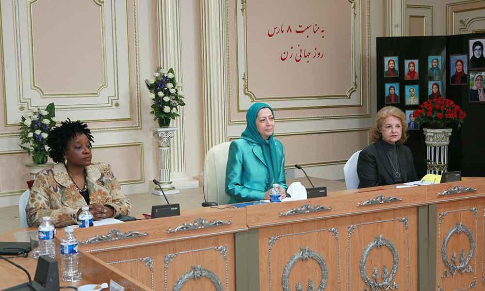 سخنرانی در اجلاس زنان نیروی تغییر و ضدبنیادگرایی