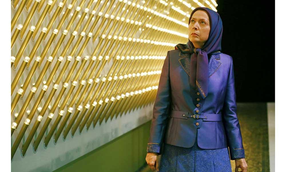ادای احترام به نماد شهیدان راه آزادی ایران
