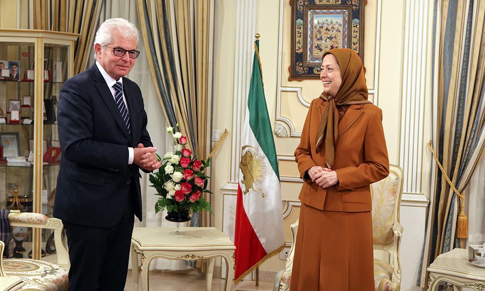 ملاقات مریم رجوی با هاینز بکر نماینده پارلمان اروپا از اتریش