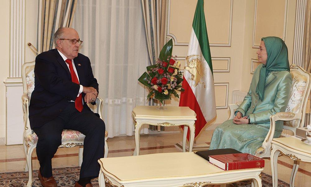 ملاقات مریم رجوی با رودی جولیانی مشاور حقوقی رئیس جمهور آمریکا