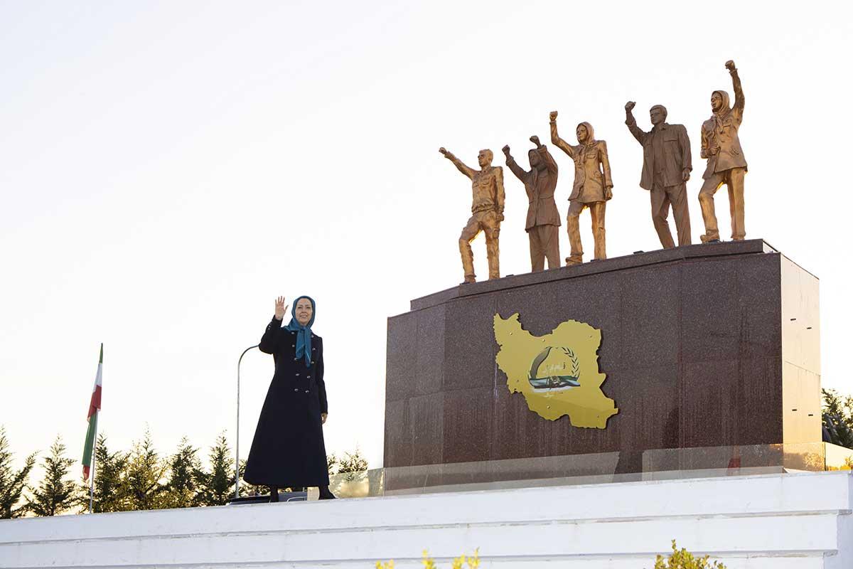 شعلههای قیام آبان در نبرد کانونها و جوانان شورشگر