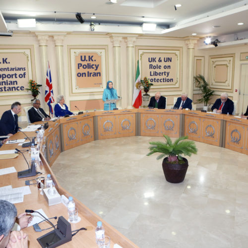 Maryam Rajavi- Meeting with British delegation -27 January 2014-6