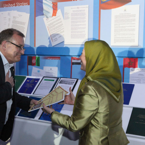 Maryam Rajavi in the gathering at Villepinte-June 22,2013