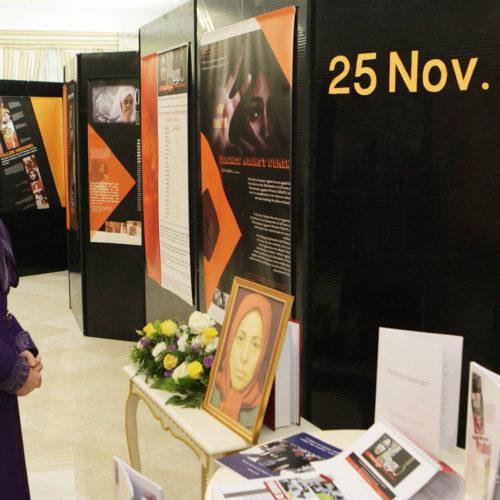 مريم رجوی در افتتاحيه نمايشگاه بهمناسبت روز جهانی برای حذف خشونت عليه زنان