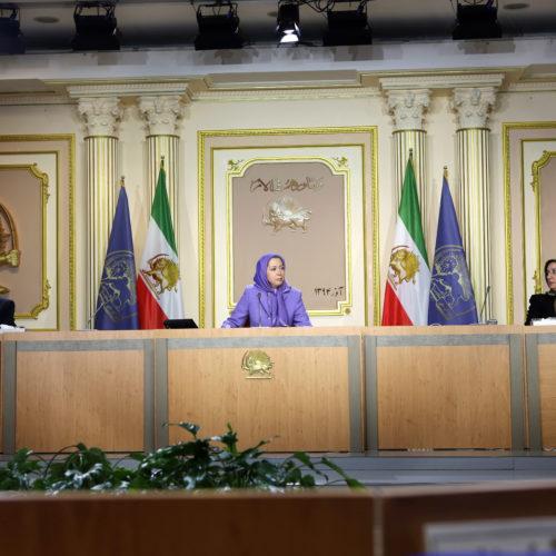 مریم رجوی در اجلاس میاندورهیی شورای ملی مقاومت ایران ۲۸ و ۲۹ آذر ۱۳۹۴