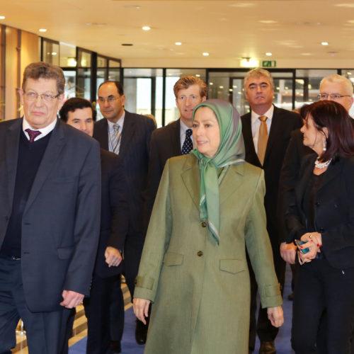 حضور مریم رجوی در جلسهیی زیر عنوان «سیاست در قبال ایران بعد از توافق هستهیی» در پارلمان اروپا