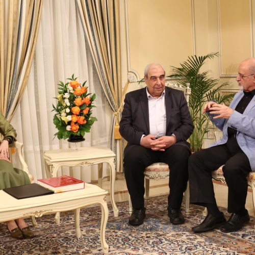 هیاتی از اپوزیسیون سوریه با مریم رجوی دیدار میکند- اور سور اواز- ۲۲ خرداد ۱۳۹۵