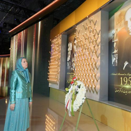 مریم رجوی در گردهمایی بزرگ ایران آزاد- بورژه پاریس – ۱۹ تیر ۱۳۹۵