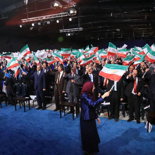 سخنرانی مریم رجوی در مراسم گرامیداشت ۲۴ قهرمان شهید مجاهد خلق در دومین سالگرد حمله سنگین موشکی به لیبرتی ۷ آبان ۱۳۹۶