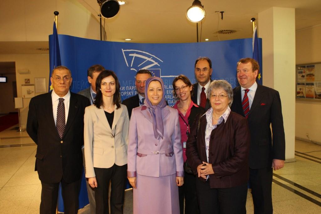 زنان، پیشتاز تغییر دمکراتیک در ایران